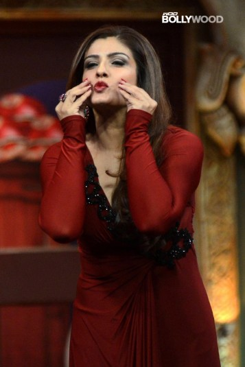 Raveena-Tandon-Spicy-Photos-04
