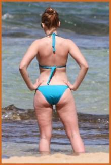 scarlett-johansson-bikini-hawaiian-beach-bd-df-beach-1300706073