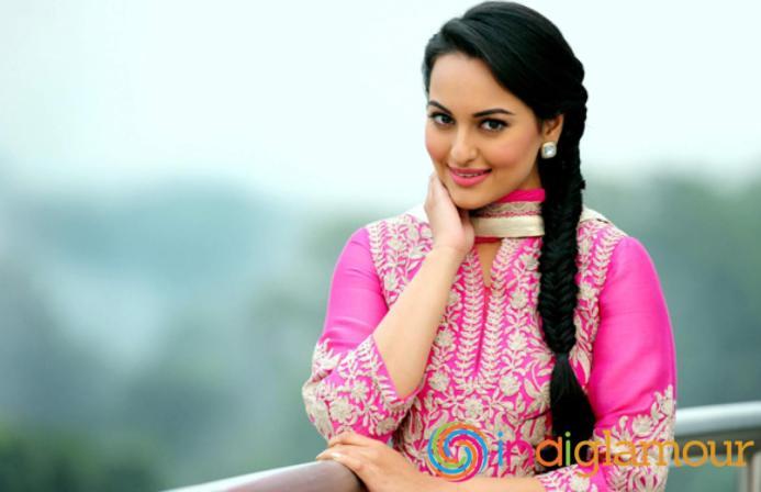 Sonakshi-Sinha-Hairstyles-16