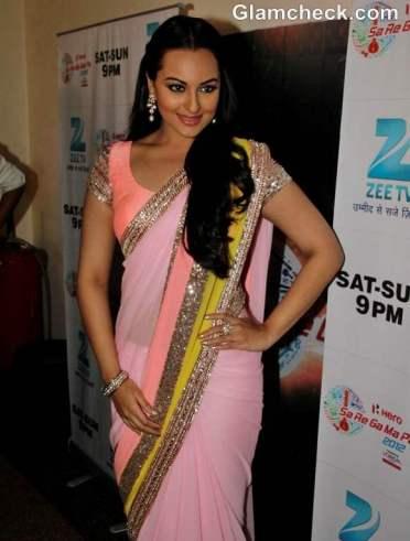 Sonakshi-Sinha-in-manish-malhotra-pink-sari-at-sa-re-ga-ma-pa-promote-dabangg-2