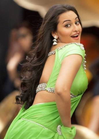 sonakshi-sinha-sexy-in-green-saree-sonakshi-sinha