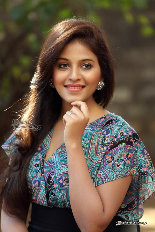 Anjali-during-her-interview-January-2016-pics-(22)4293