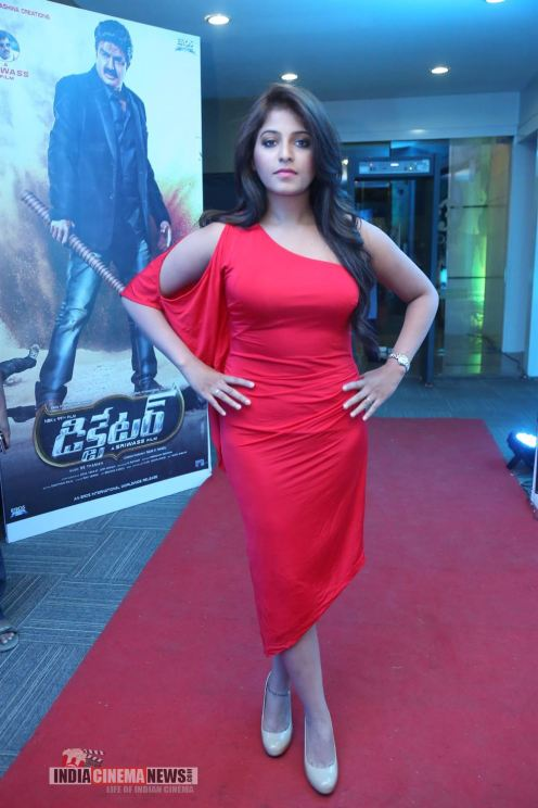Anjali-Hot-Photos-06