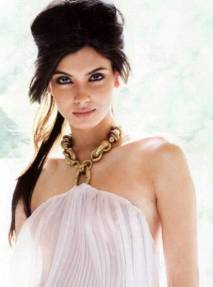 Diana-Penty-in-white-dress