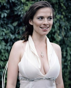 hayley-atwell-05-alkhall-booze-revooze-bar-none-captain-america
