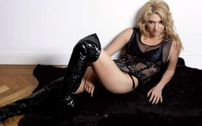 kesha-in-black-hottie-bikini-with-mesh-sleeveless-photo-u2
