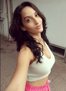 oopiri-actress-nora-fatehi-hot-photos-46901