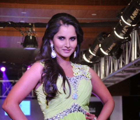 sania-bmirza-bwalks-bramp-bat-bkingfisher-bultra-bhyderabad-binternational-bfashion-bweek-1796824622