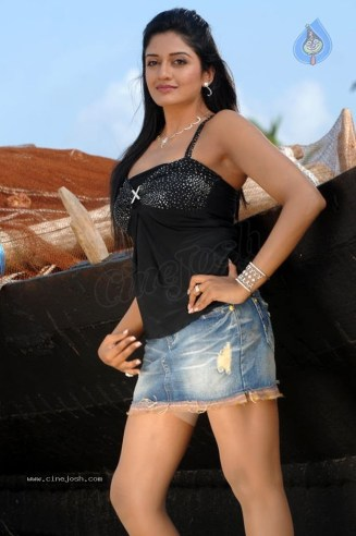 vimala_raman_hot_stills_04_05_11_10_17_002