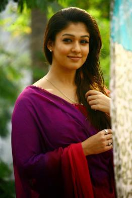 Malayalam Actress Nayantara New Pictures, Nayanthara Mallu Girl Hot Photos, South Indian Actress Nayantara Wallpapers