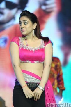 aksha-pardasany-hot-dance-at-aadu-magadura-bujji-audio-launch-4