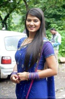 Kratika-In-Royal-Blue-Saree