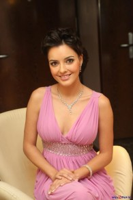 kristina-akheeva-hot-photos-at-upendra-audio-launch-sexy-1d90b0d8598998b8ba464d8bb9ff8b39-large-1086043