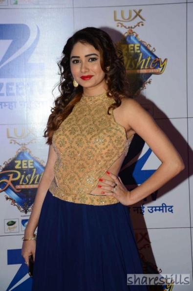 leena-jumani-at-zee-rishtey-awards-2015-3