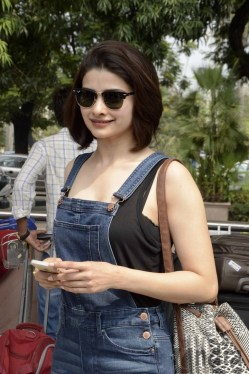 Prachi-Desai-Hot-Images-in-Rock-On-2