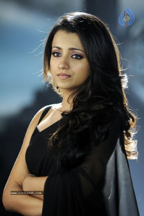 trisha_hot_gallery_3110120912_061