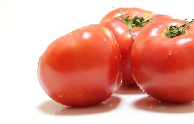トマトの実やヘタ、種ってコンポストできる?