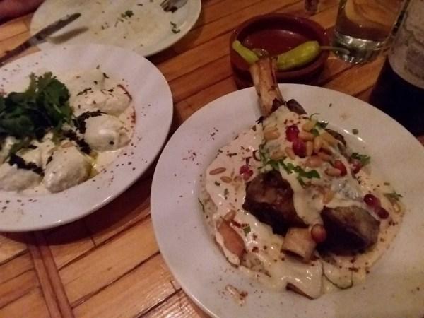 中東料理レストラン「KAZAMAZA(カザマザ)」のメイン料理