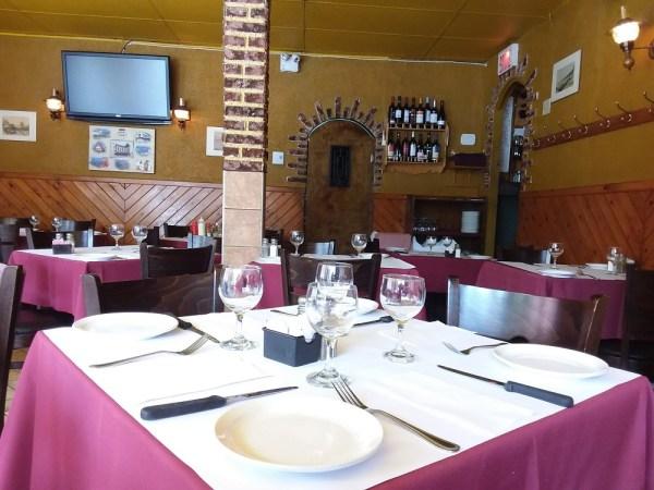 モントリオールにあるポルトガルレストラン「Chez Doval」