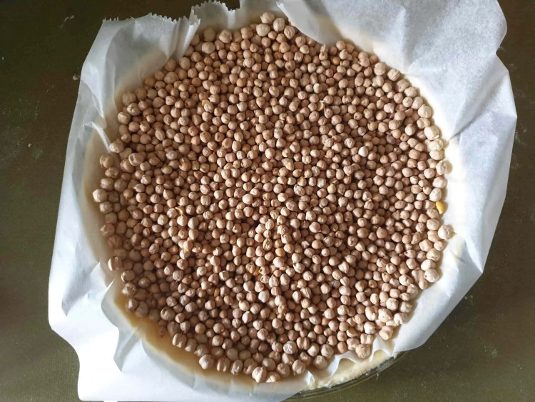 Blind baking shortcrust pastry