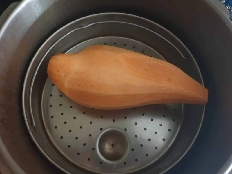 Steaming sweet potato
