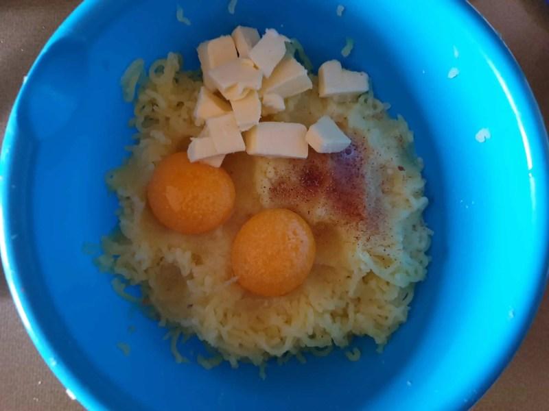 Preparing the potato puree