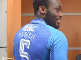 So Funny!!! WATCH Micheal Essien try to beat up a footballer on the field