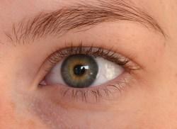 Længere og stærkere øjenvipper