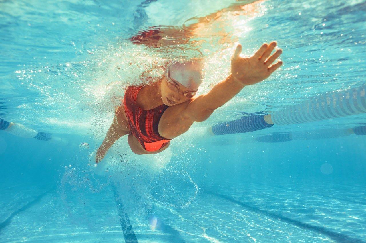 Kraulzug Schwimmen