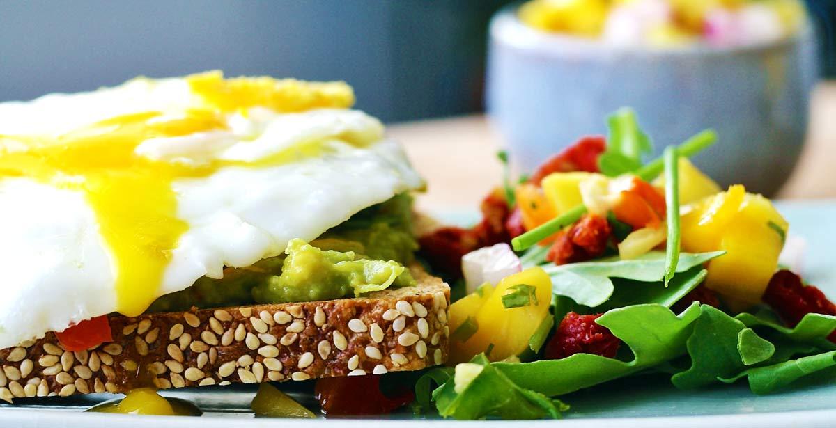 Gesundes Frühstück nach dem Nüchterntraining