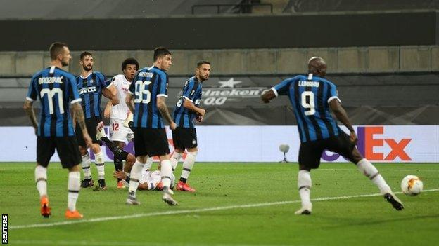 Lukaku's Grave Blander Extended Inter's Trophy Wait Into A 10th Year