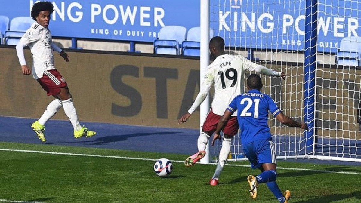 Pepe Inspires Arsenal Comeback
