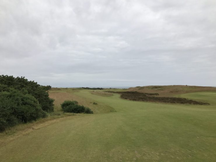 kingbarns golf links view 1st hole