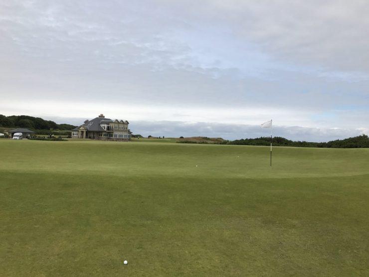 9th green at kingbarns golf links
