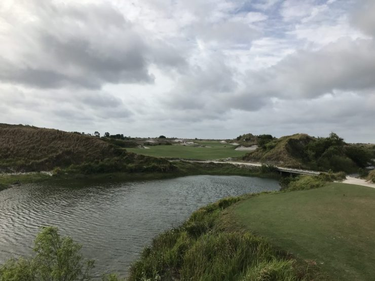 first hole at streamsong red course