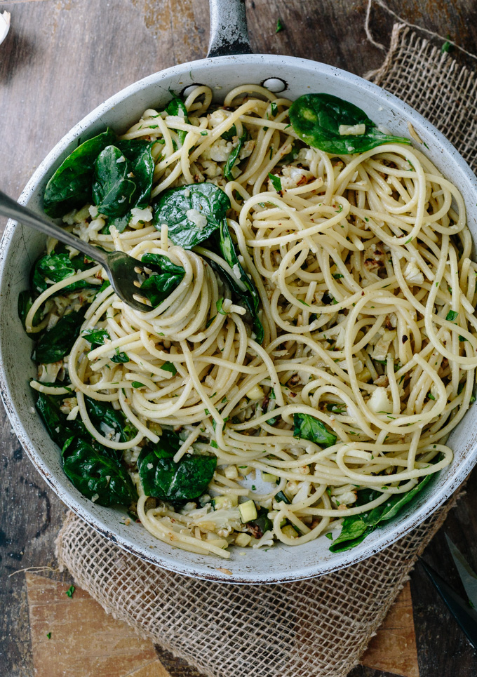 This Deliciously Rustic No-Sauce Vegetable Pasta with roast cauliflower, zucchini and spinach is a family favourite. Oodles of flavour with no heavy sauce.