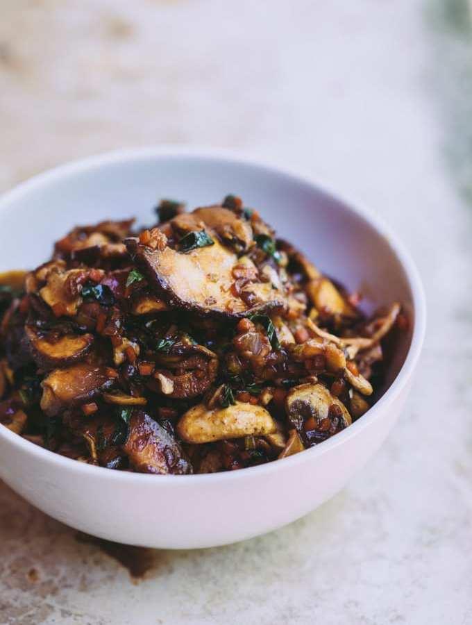 sneaky-bbq-mushroom-steamed-buns-1
