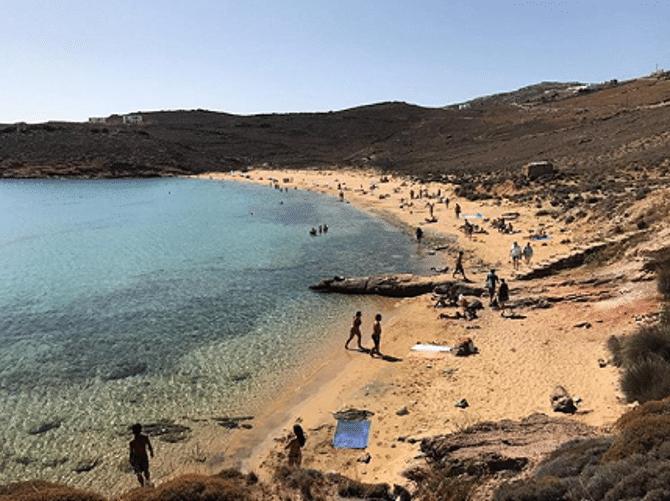 Agios Sostis Beach, Photo by: edrois (Source: Instagram)