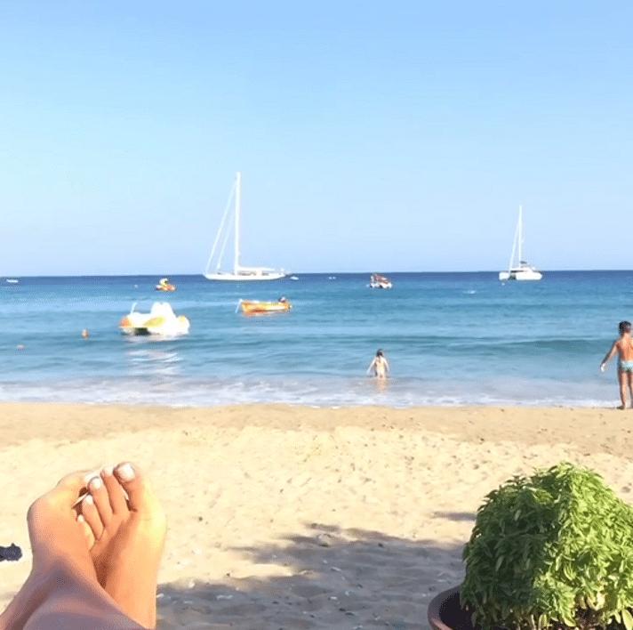 Platis Gialos Beach, Photo by: zina_koutselini (Source: Instagram)