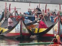 aveiro - getting boats ready