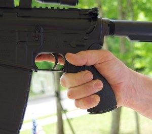 Blackhawk! AR-15 Ergonomic Grip (6)