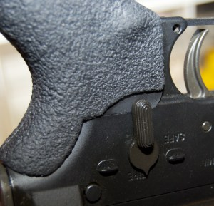 Blackhawk! AR-15 Ergonomic Grip selector switch cutout