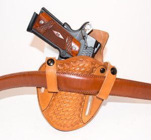 To use the Cuda as an IWB, flip the straps over the front - that's it.