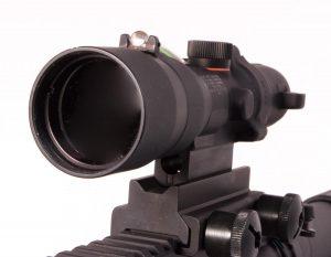The 30mm objective lens provides plenty of light.