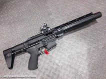 UM Tactical showed off this SS9 integrally-suppressed 9mm carbine. Takes any Glock magazine.