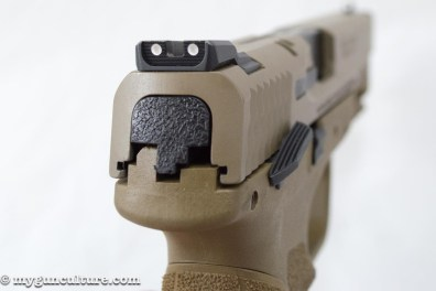 The M&P 2.0 pistols use the same sight mounting cuts, so old and new sights are interchangeable.
