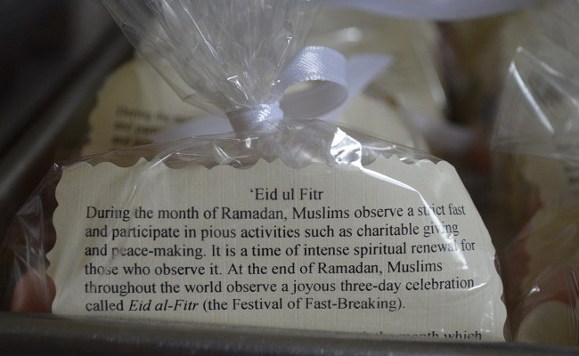 Tell Your Neighbors About Ramadan And Eid With Homemade
