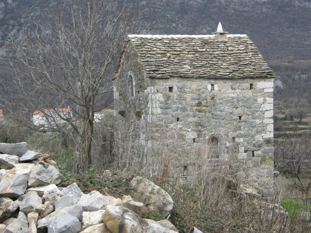 The 300 year old 'cubby house' of the lucky Basic children