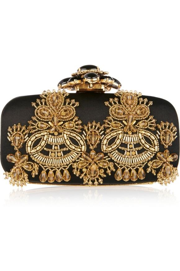 http://www.net-a-porter.com/it/en/product/640440/oscar_de_la_renta/goa-embellished-satin-clutch