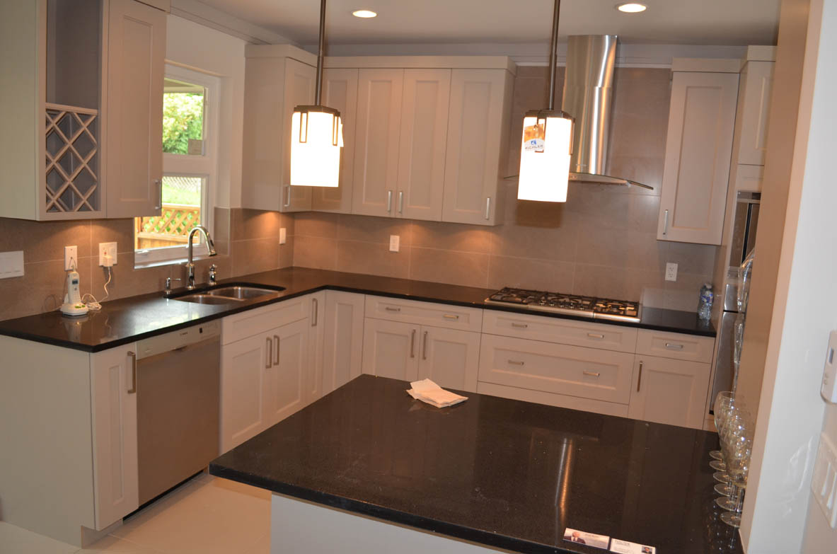 kitchen contractor round wood table myhomebuilder ca